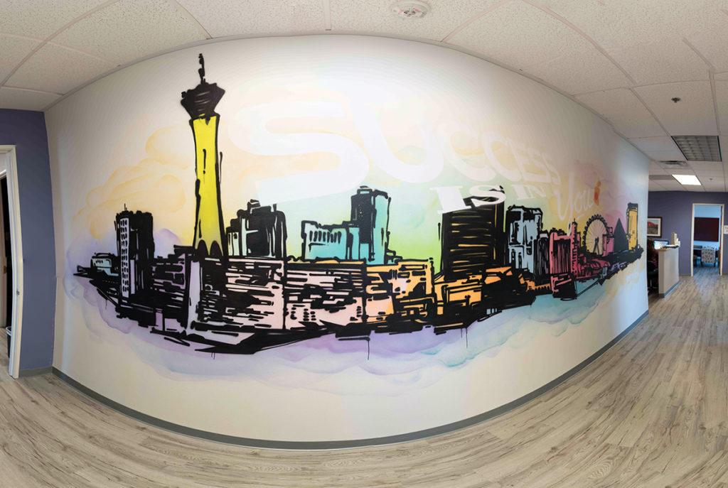 Стильный рисунок на стене
